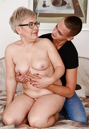 Free Mom and Boy Pics