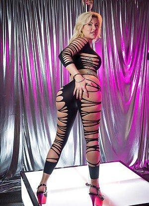 Free Striptease Pics