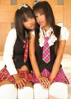 Free Schoolgirl Pics